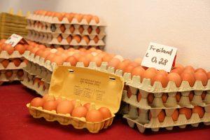 """Eier vom Bauer """"Henne und Hahn"""""""